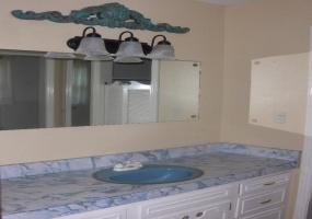1710 Oak Avenue,Dalhart,Hartley,Texas,United States 79022,3 Bedrooms Bedrooms,1.75 BathroomsBathrooms,Single Family Home,Oak Avenue,1103