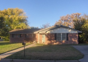 1422 Walnut Avenue,Dalhart,Hartley,Texas,United States 79022,3 Bedrooms Bedrooms,1.75 BathroomsBathrooms,Single Family Home,Walnut Avenue,1106
