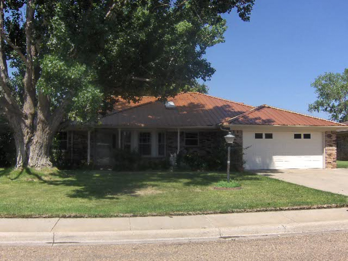 Close to Schools and Shopping, Great 3- Bedroom in Tascosa  Place!!
