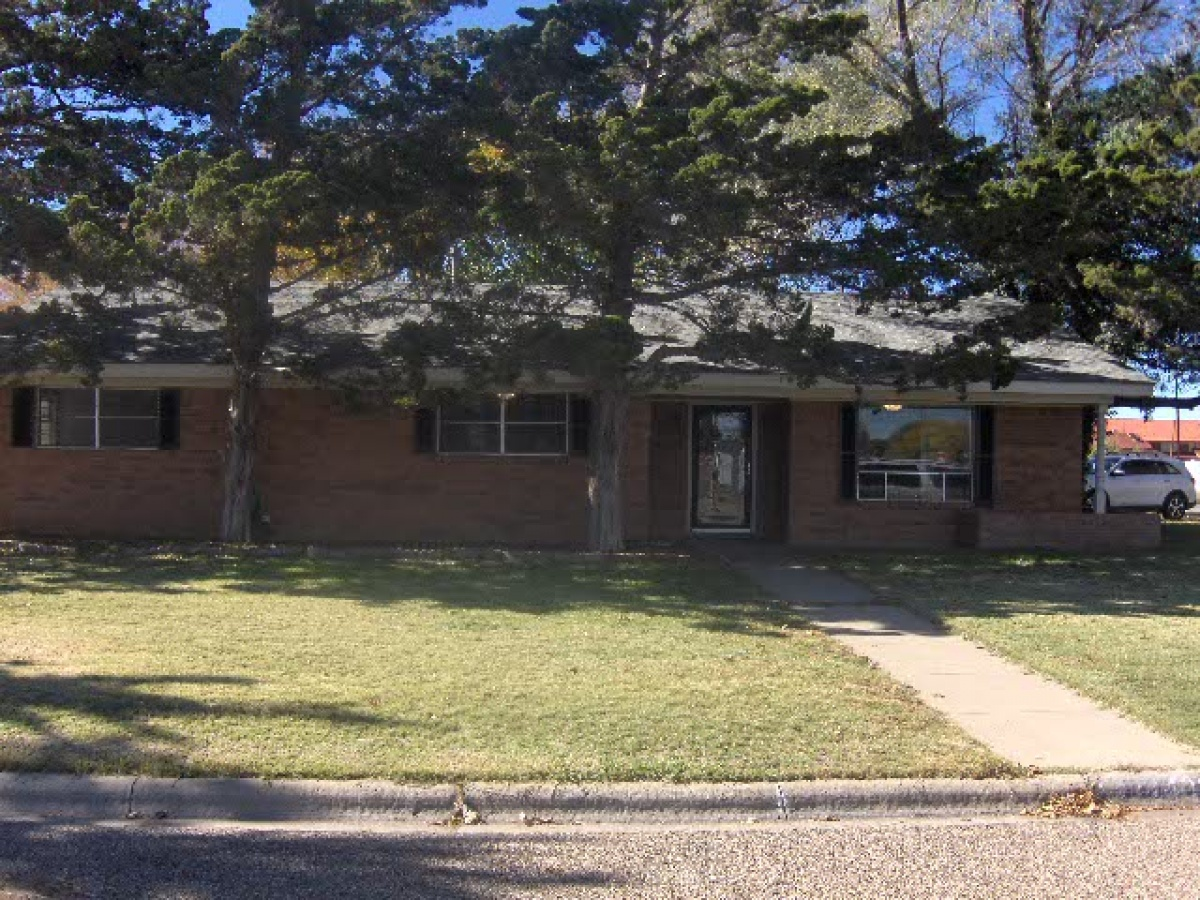 1402 Elm Ave,Dalhart,Hartley,Texas,United States 79022,3 Bedrooms Bedrooms,1.75 BathroomsBathrooms,Single Family Home,Elm Ave,1157